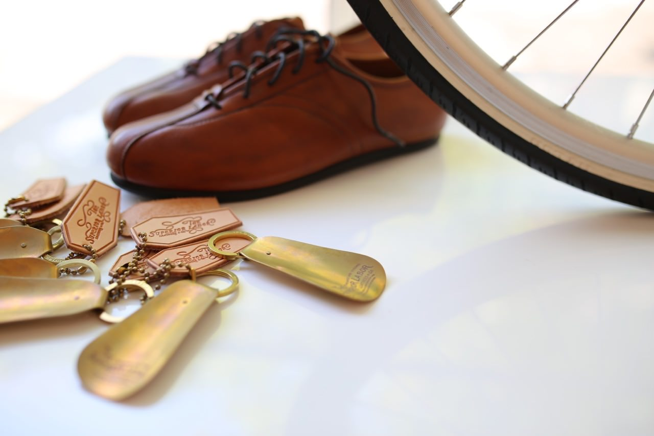 Brass shoehorn Key ring /Superior Labor
