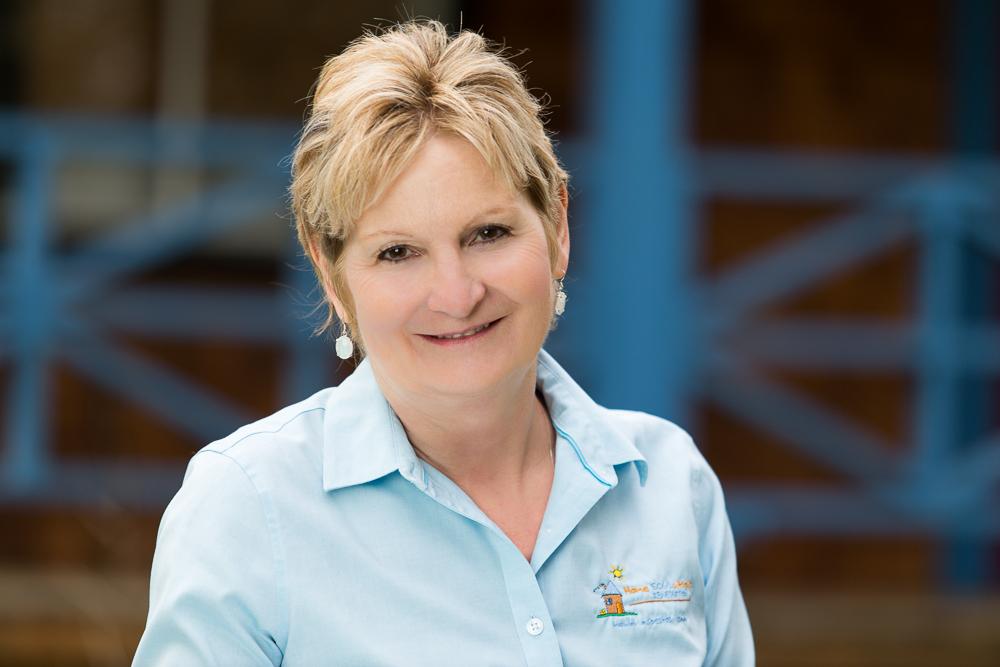Sue Johnson, Customer Service