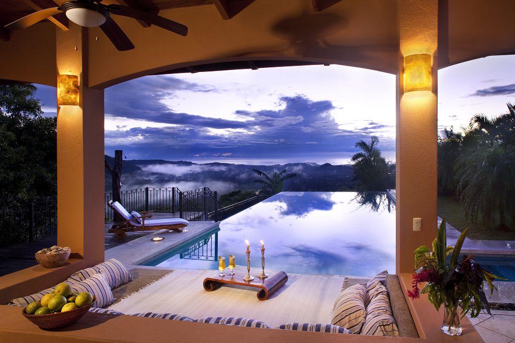 komp-FincaAustria_Villa Mariposa_view.jpg