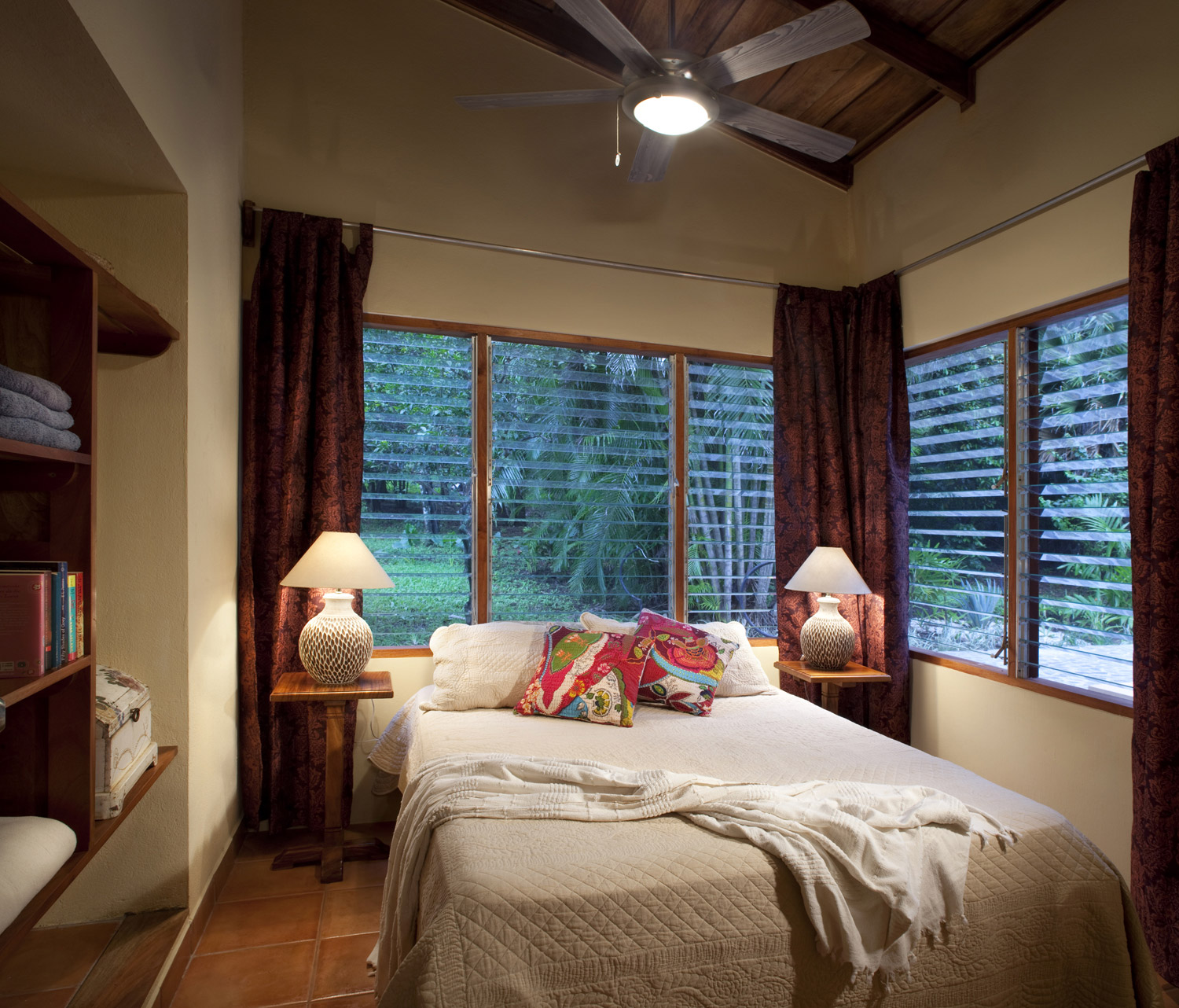 FincaAustria_JungleLodge-Unit_2_room_C-2rs.jpg