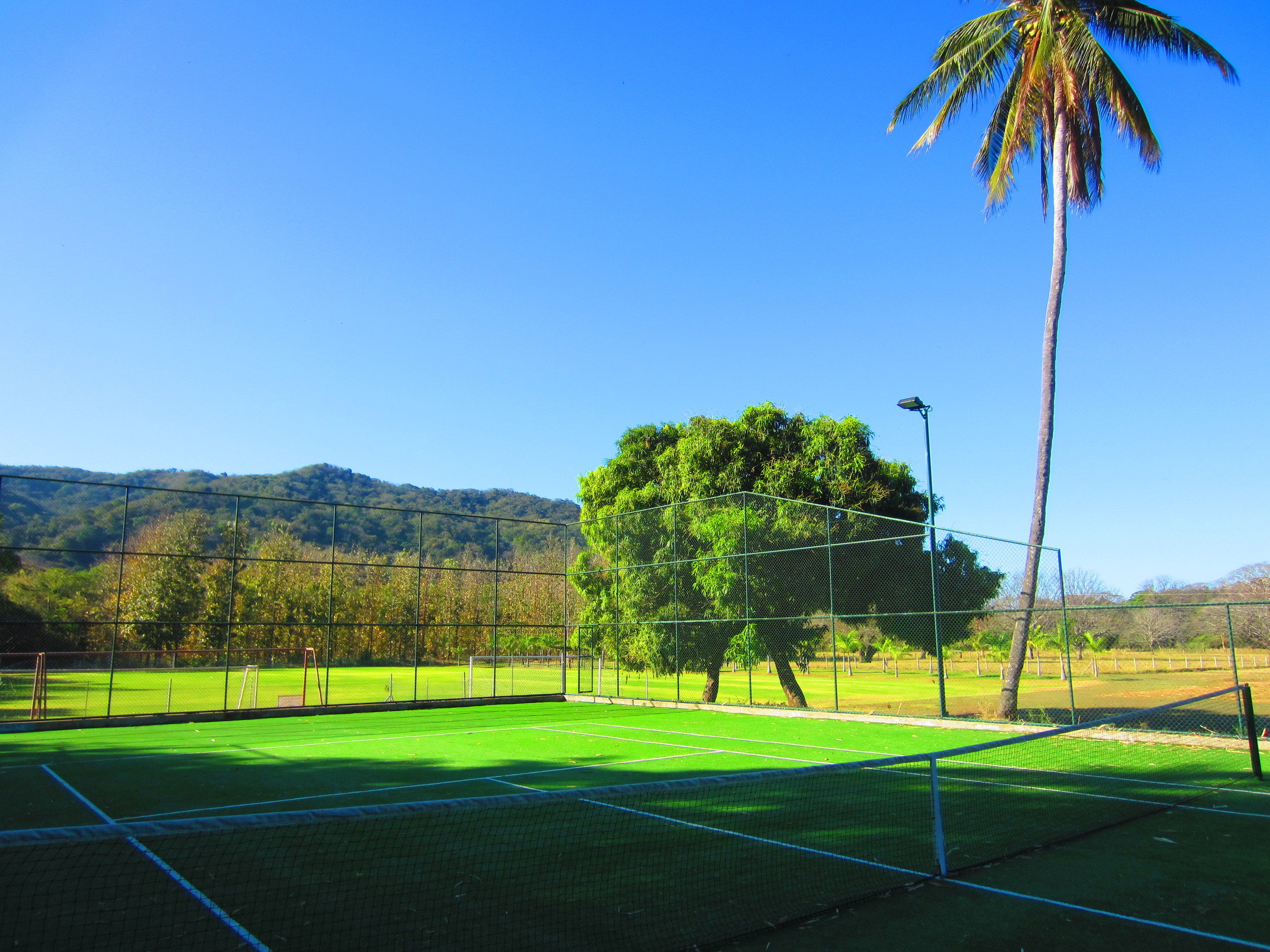 FincaAustria_tennis_court-1.JPG