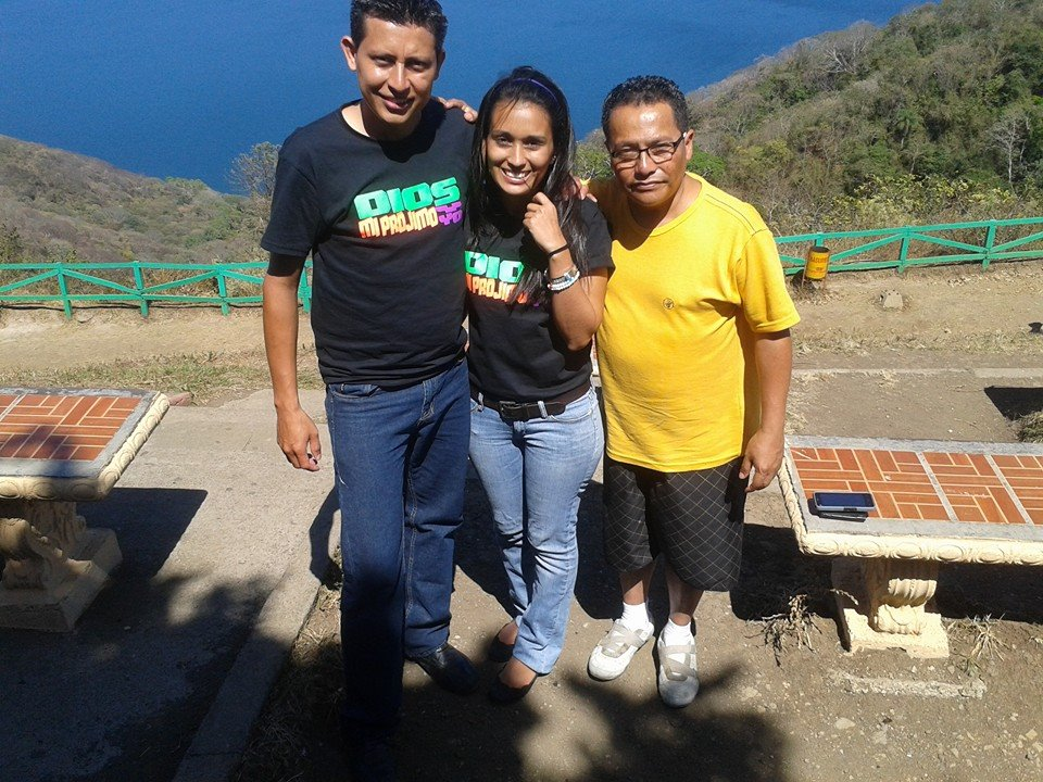RAMON HERNANDEZ, ANDREA ALGUILAR, Y MATEO GONZALES (izquierda al derecho)