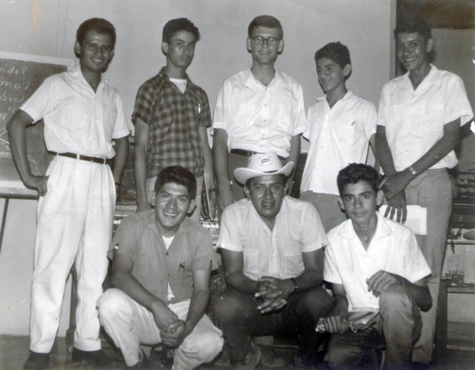 Los que iniciaron el primer grupo icthus en guatemala