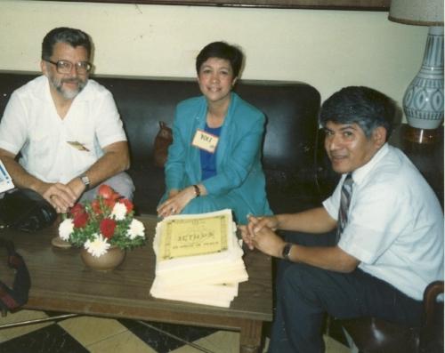 Yolanda franco con Tom gyori (izquierda) y Gilo Mendes (derecho) in 1989