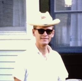 Don Weisbrod 1964 - con un sombrero que era parte del uniforme original de Icthus
