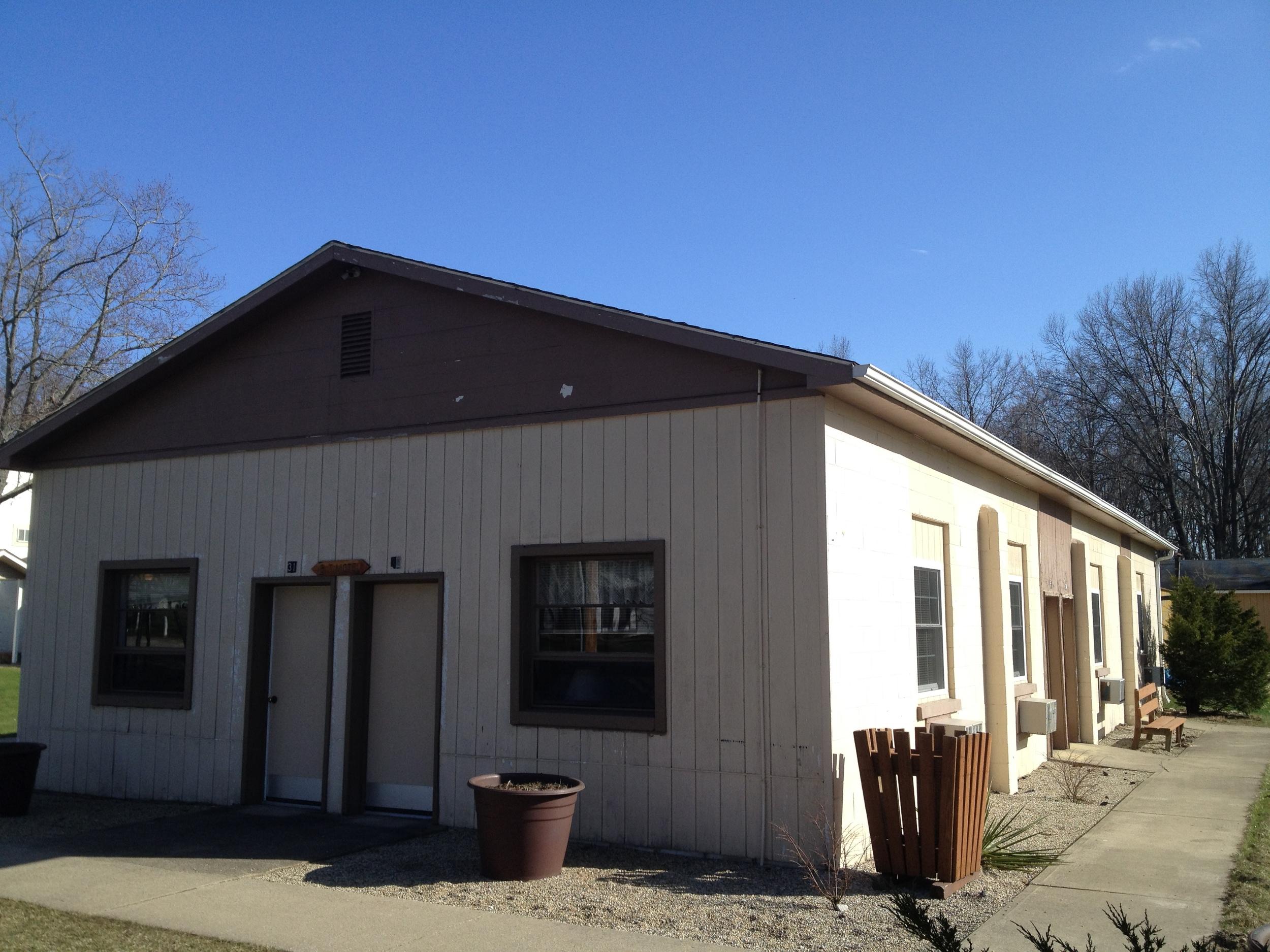 English Tabernacle Motel