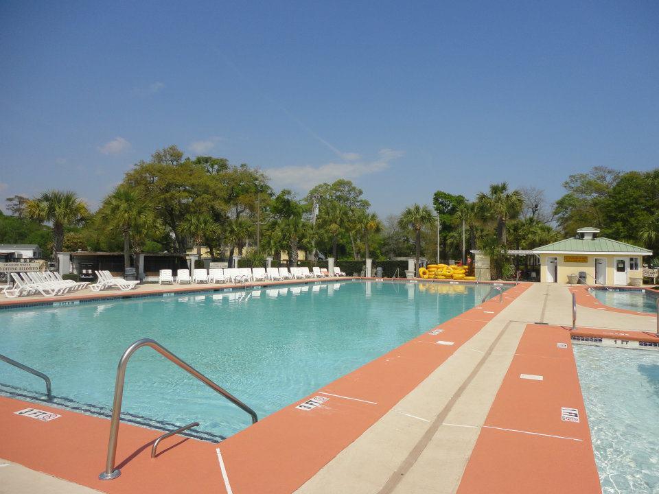 outdoor pool 2.jpg