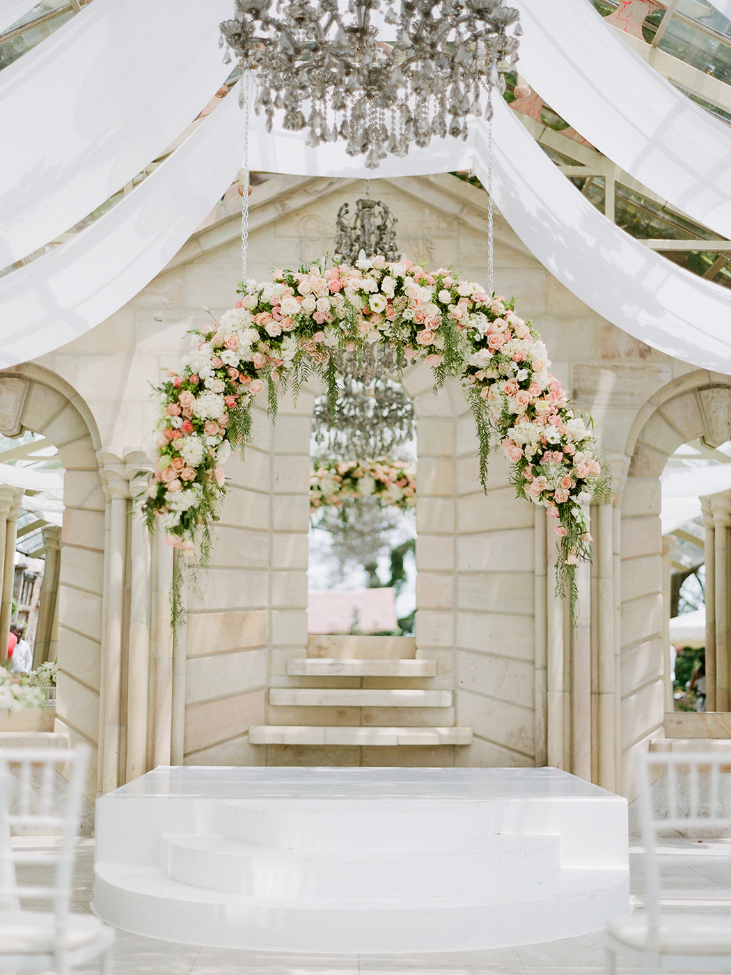 Floating Floral Arch | Rensche Mari Photography