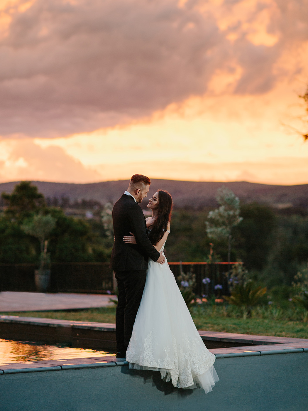 Bride & Groom Sunset | Rensche Mari