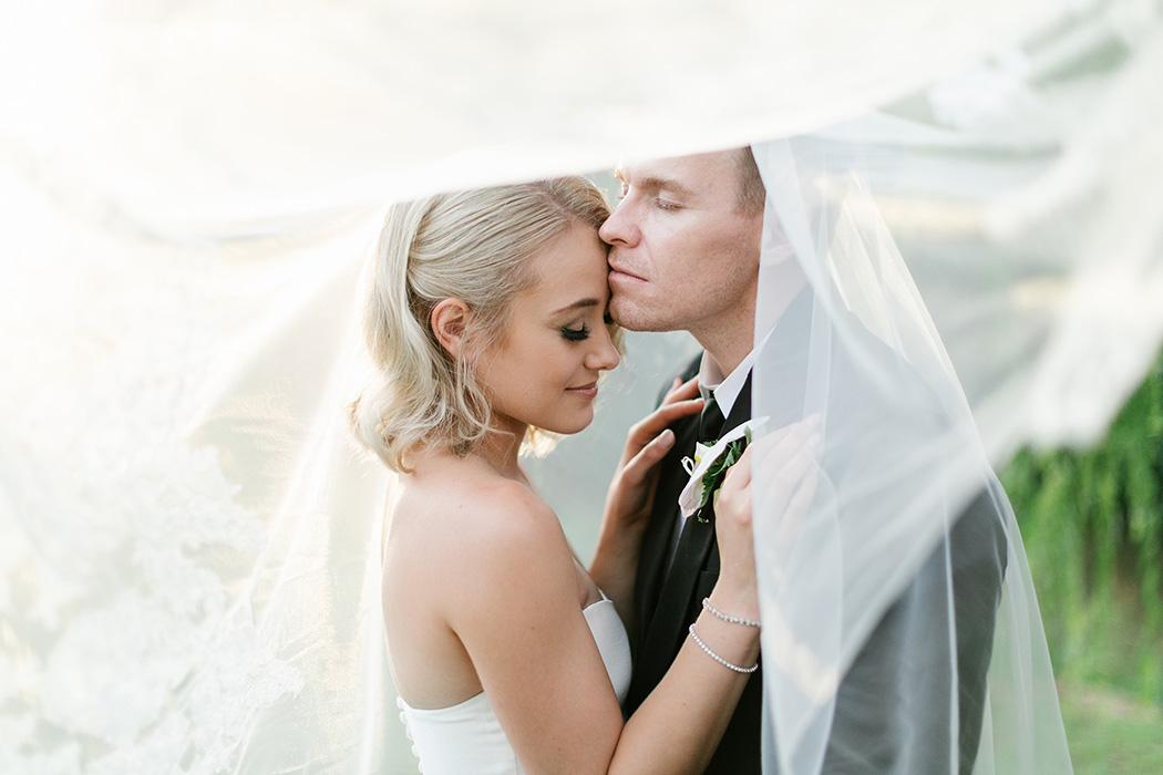Bride & Groom Poses   Rensche Mari Photography