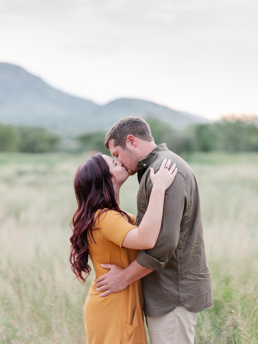 Couple Kiss | Rensche Mari