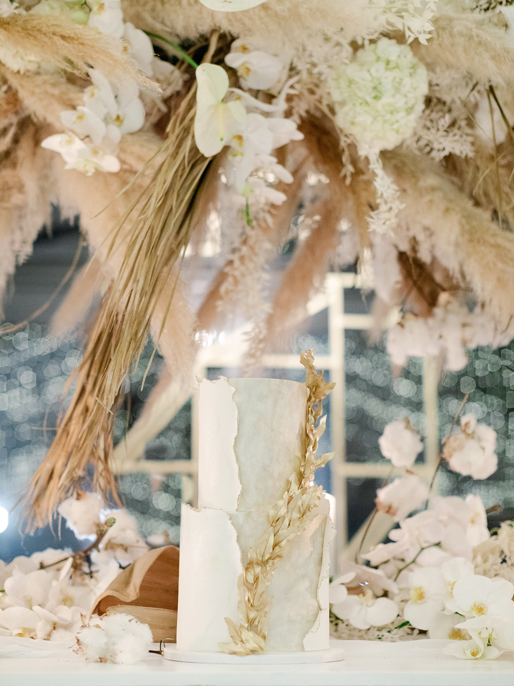Wedding Cake by Kelly Jayne | Rensche Mari