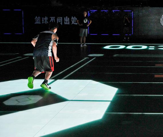 nike-kobe-bryant-china-tour-2014-tron-like-led-digital-basketball-court-02.jpg