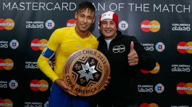 Neymar with MasterCard Man of the Match Award