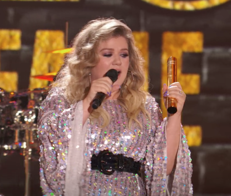 Kelly Clarkson Halo.png