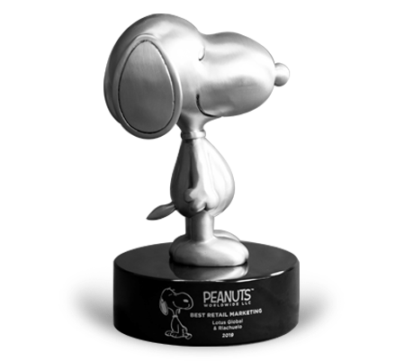 Peanuts Worldwide Snoopy Award