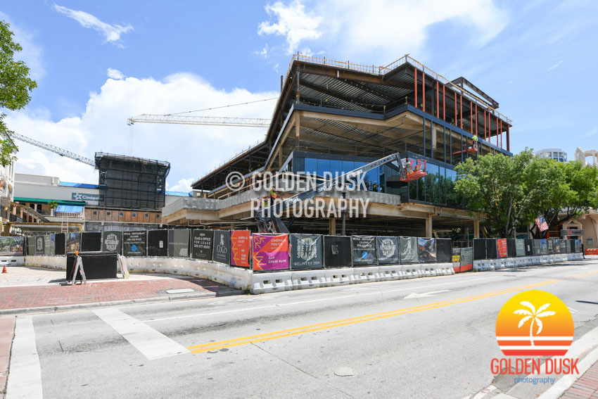 One Cocowalk Construction