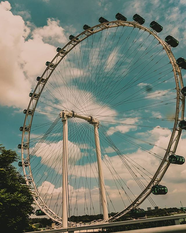 Flying through this week with this Singapore Flyer. Love going to SG!