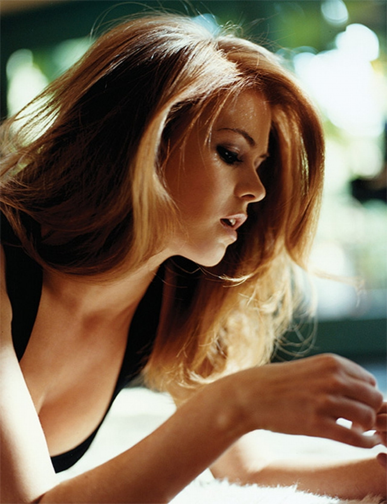 Isla Fisher, who has no connection to  Maxim Ultra  outside my imagination.