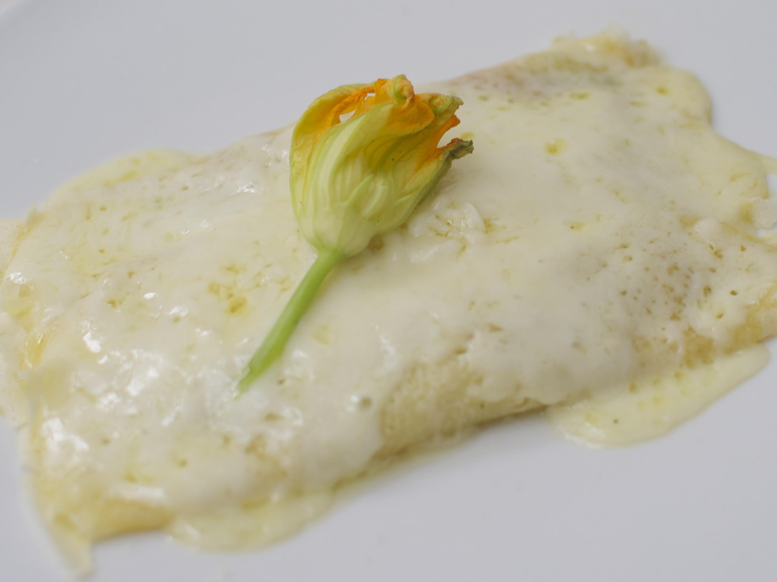 crepas de flor de calabaza  PRECIO PYREX: $375.00