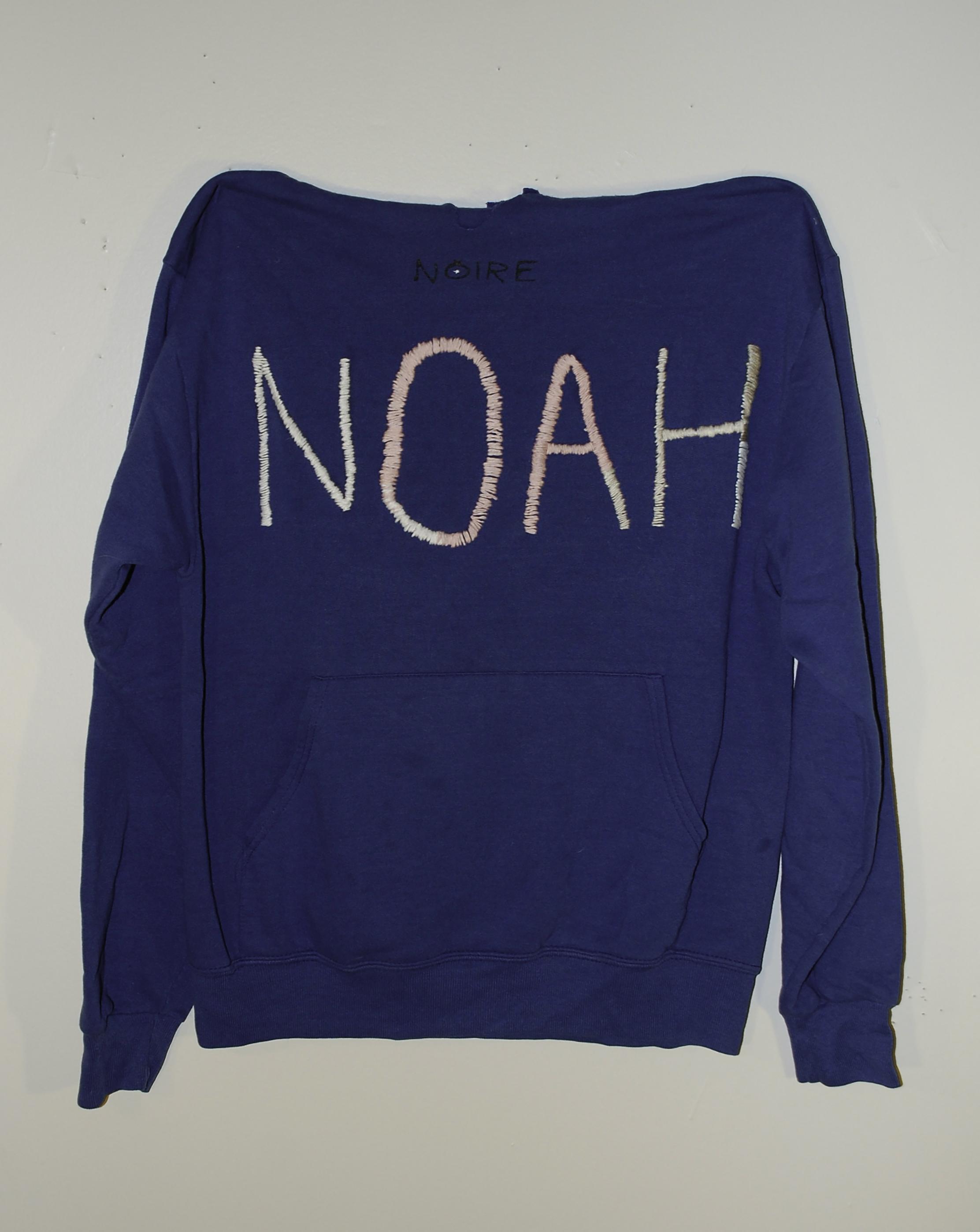 Noah Sweatshirt Luan 2016.jpg