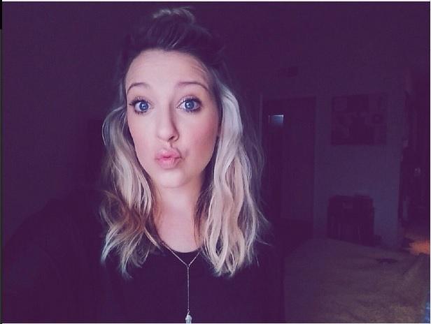 Lisa Nicole (@lisanicoled)