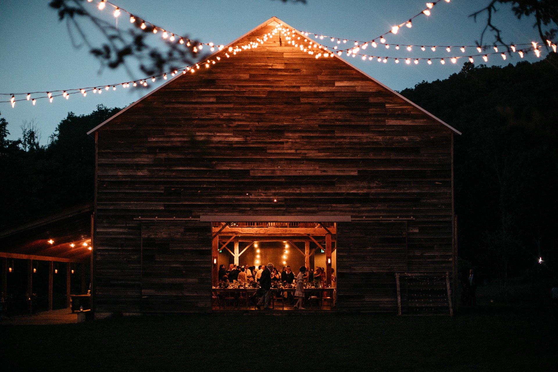 wedding-victoria_mark_handsome_hollow_jeanlaurentgaudy_111-1.jpg