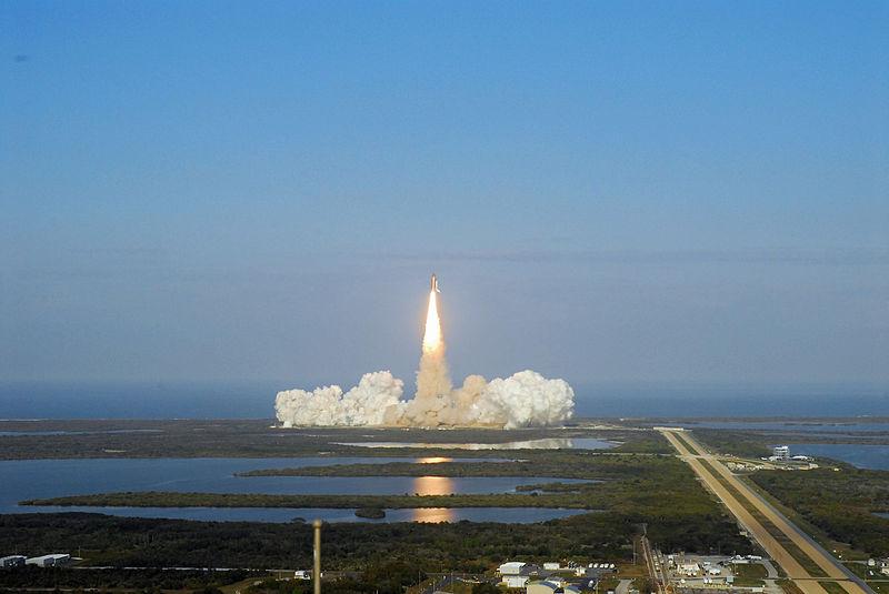 endevour_liftoff.jpg
