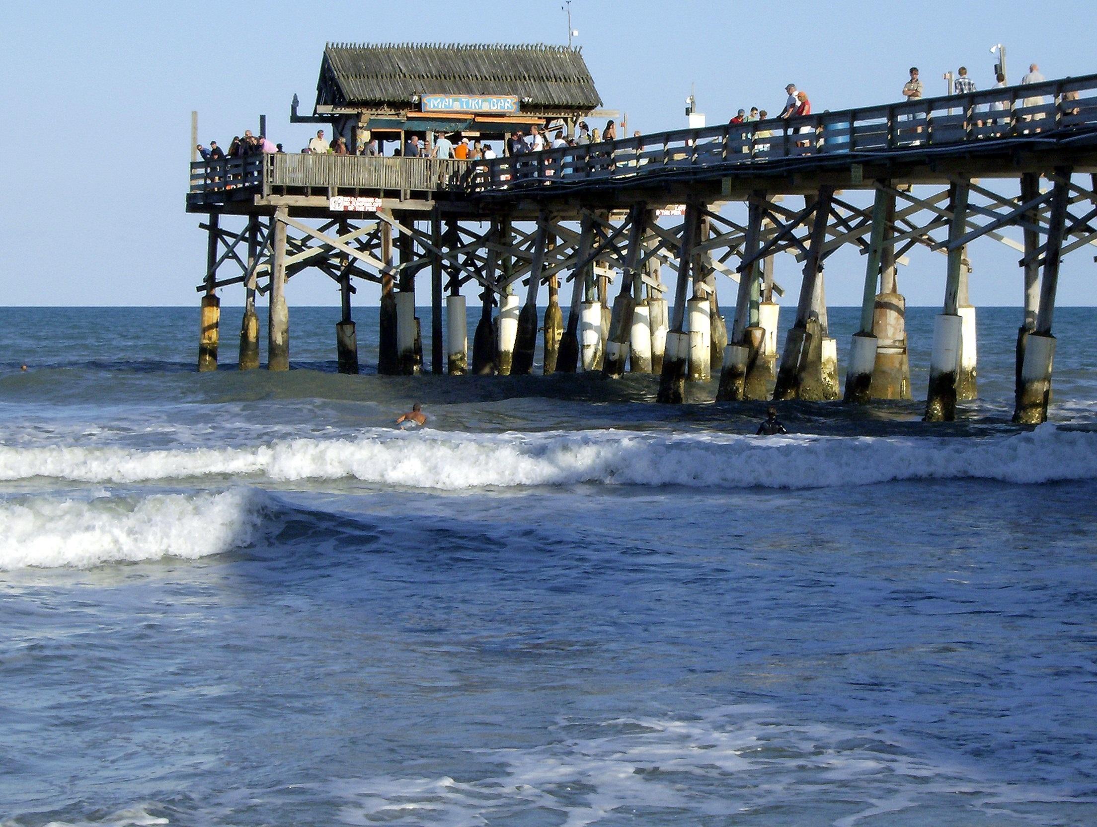 Cocoa_Beach_pier_FLAUSA.jpg