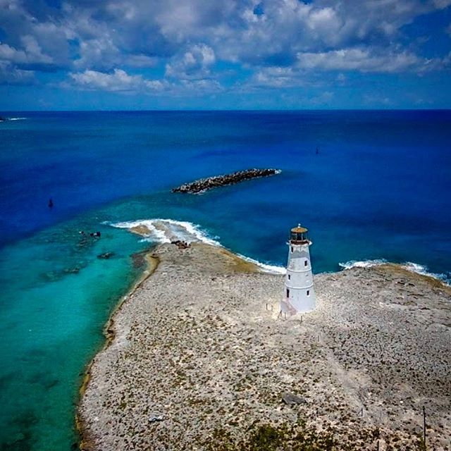 Almost everyone has seen the Nassau lighthouse at the entrance to Nassau harbor... but not from this perspective!!! #nassau #nassaubahamas #lighthouse #lighthouses #cruiselife #cruising #cruisingthroughlife #funashore #nassauharbourlighthouse #nassauharbour #nassauharborlighthouse #destinations #royalcaribbean #carnivalcruise #disneycruise #disneycruiseline #norwegiancruise #lightontherock #caribbean #comeseek #choosefun