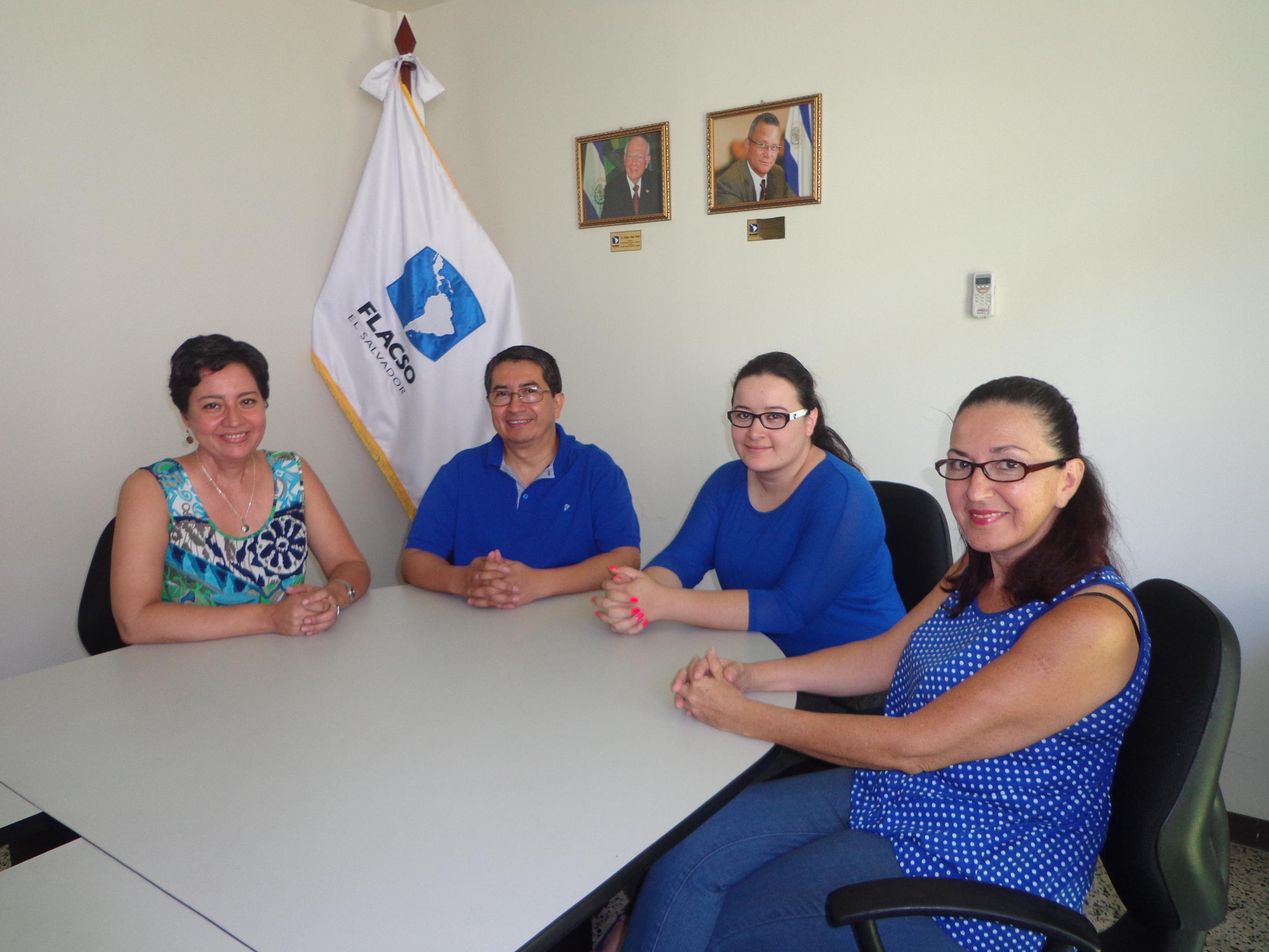 El equipo de FLACSO Programa El Salvador que colabora en este proyecto.