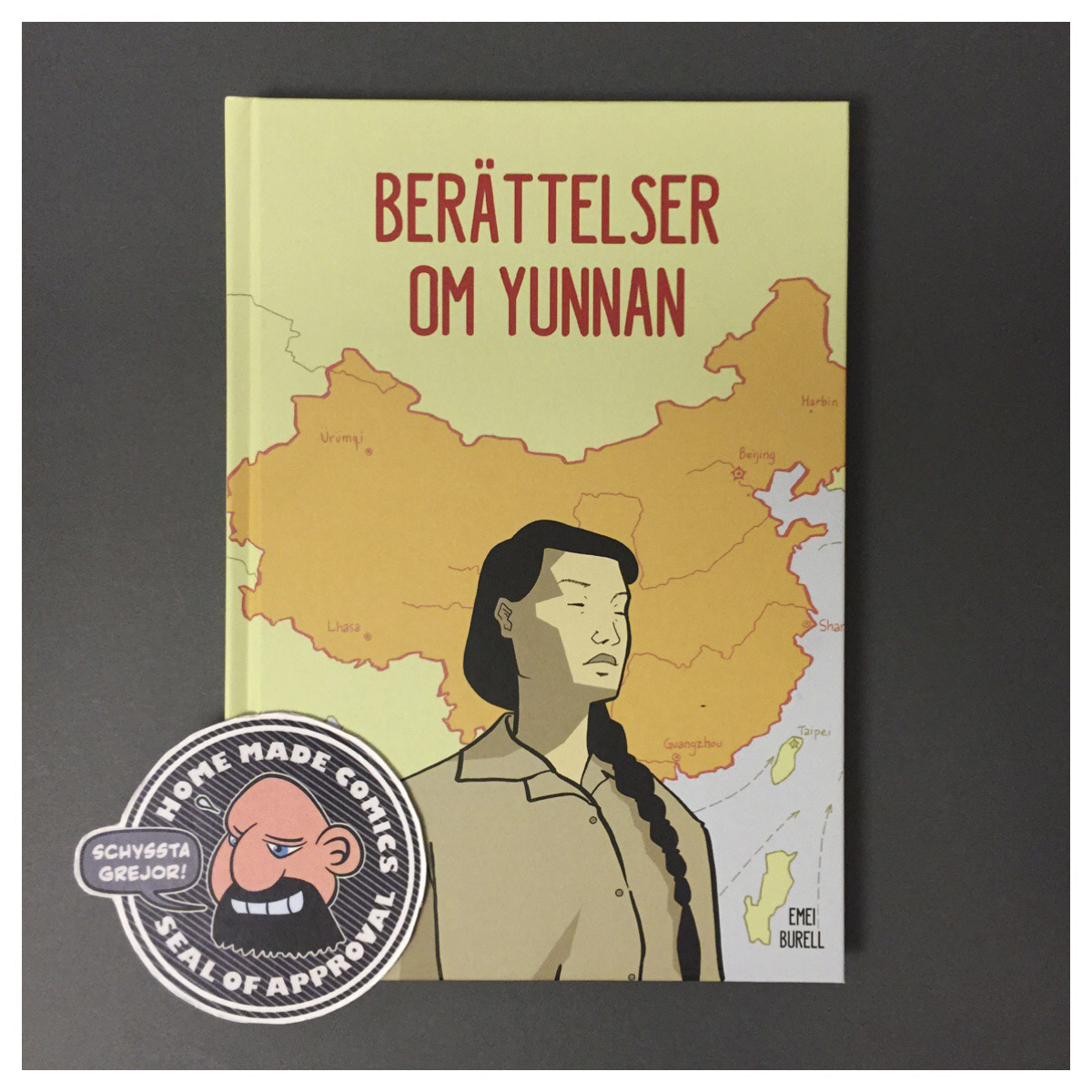 Home Made Comics Seal of Approval #223.Berättelser om Yunnan av Emei Burell utgiven av Tusen Serier 2017.