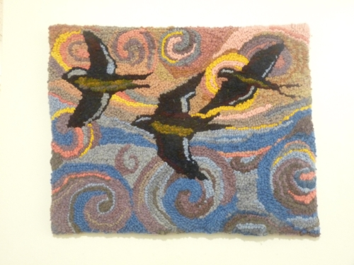 birds fly, rug hook.jpg