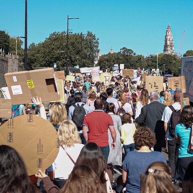 Traffic ground to a halt in Cardiff yesterday. Very lovely to see. #climatestrike  #globalclimatestrike #climatestrikecardiff #cardiff #fridaysforfuture