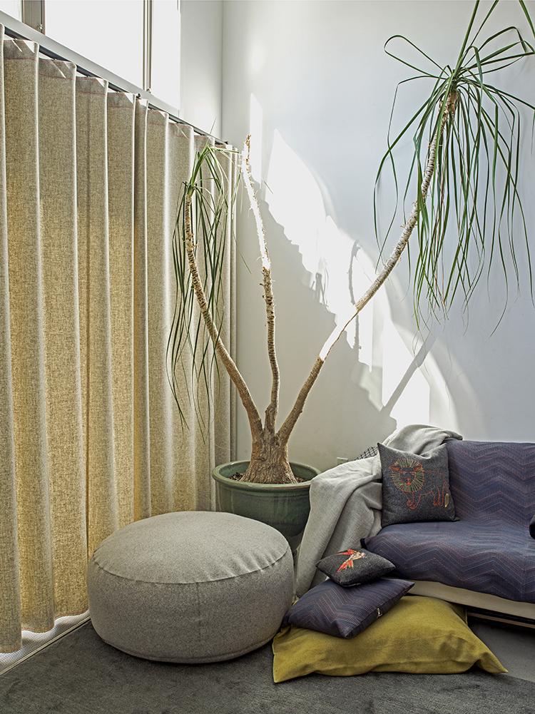 Raw  felt lined + pouffe + moving blanket + fauna pillows