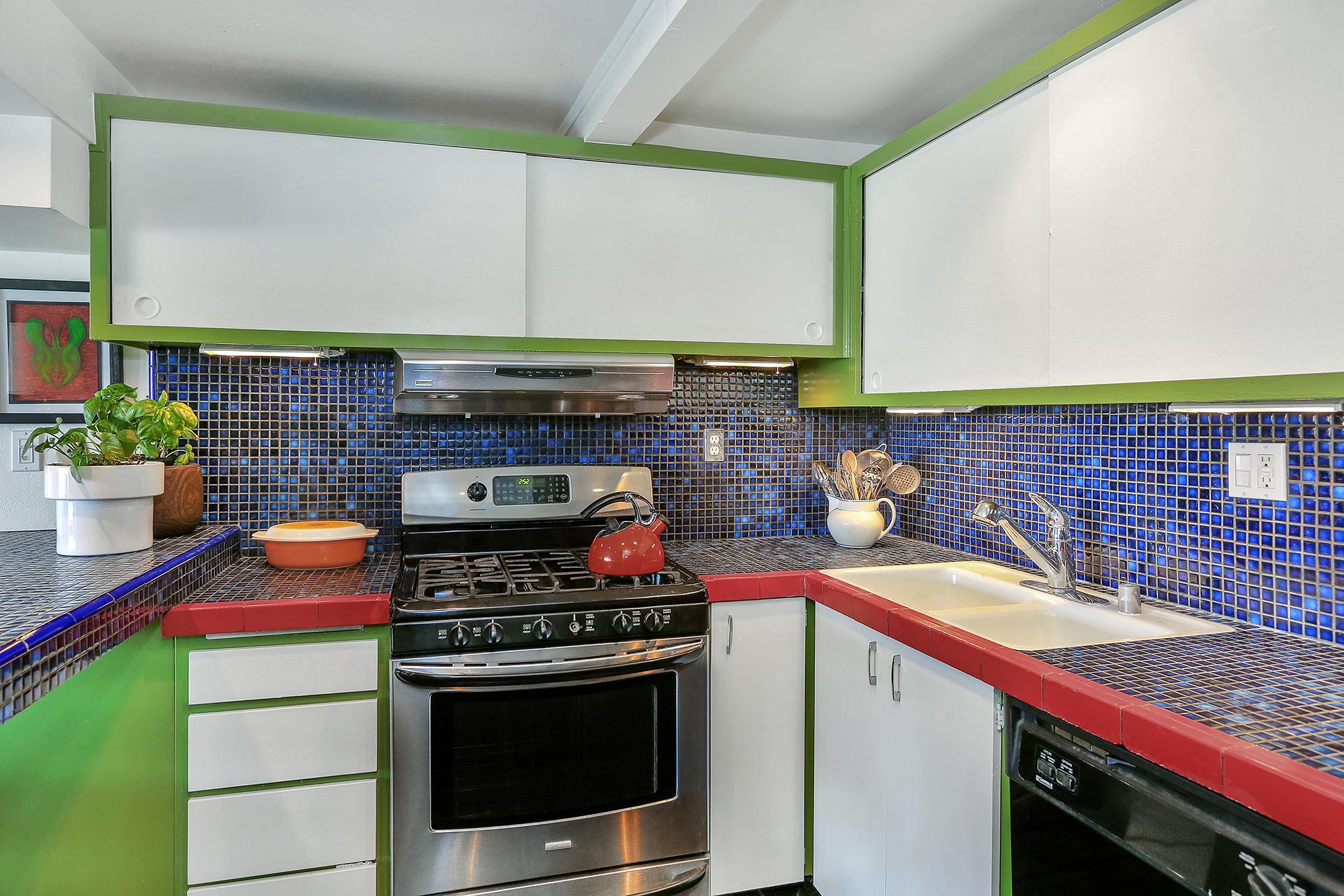 Lago_Vista_Kitchen.jpg