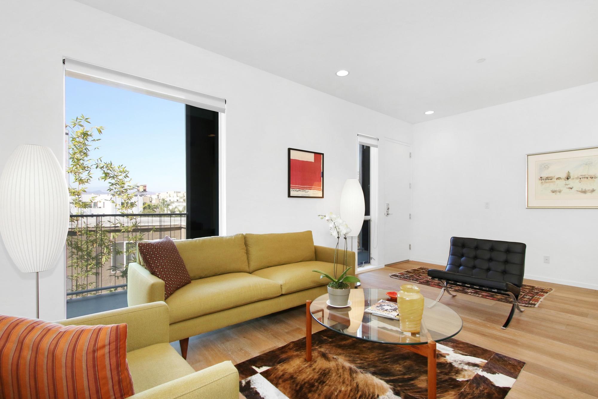 Cloverdale - Living Room