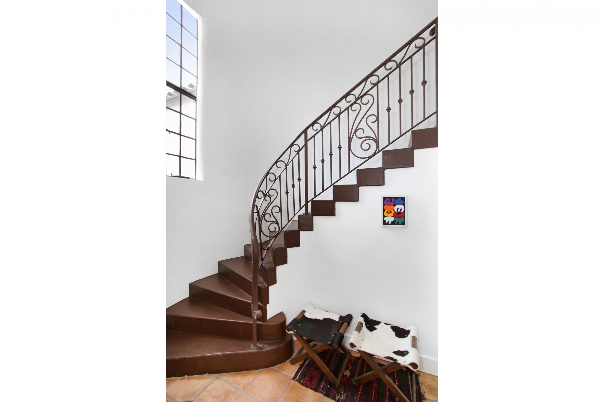 4922 Onteora - Foyer