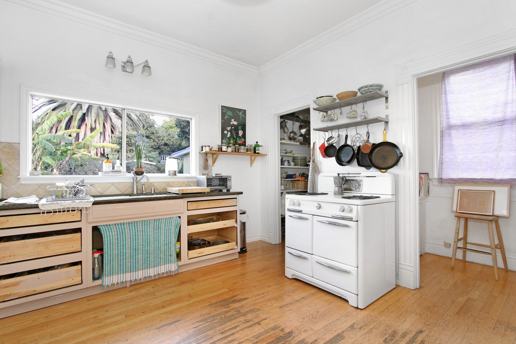 1461 Carroll Ave - Kitchen