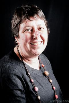 Dr.Joanna Raven