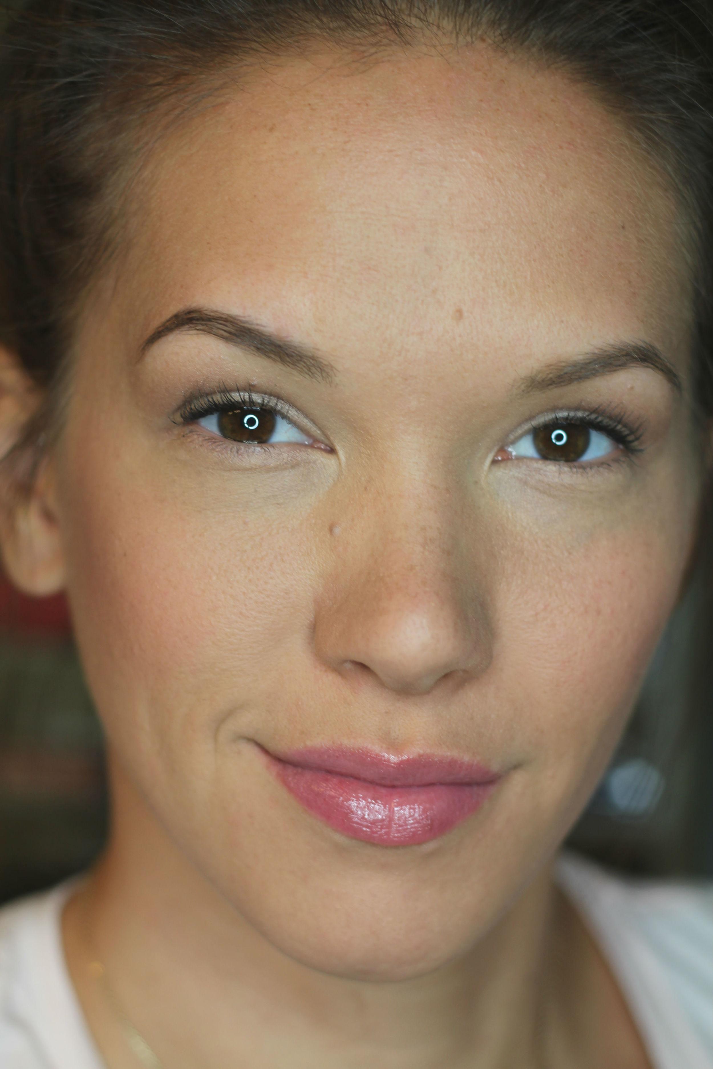 Regular Makeup Application without any highlight or contour.