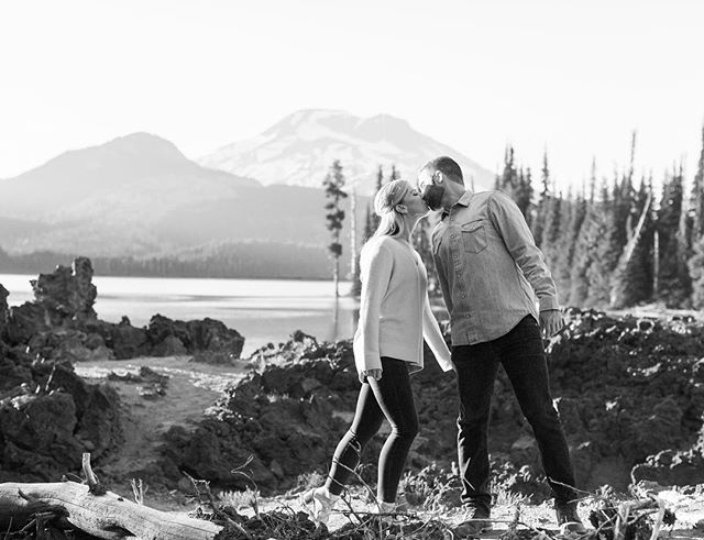 365 days until the real adventure begins 😏 // PC: @nikirhodesphoto . . . #sparkslake #oregon #ringmeupscottie #engagementphotos #pnw #pnwlife #herpnwlife #weddingphotography #makeadventure #getoutside