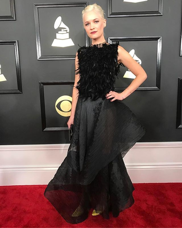 @pinkfeathers looks amazing tonight at the Grammys in Bryce Black!! 😘#grammys #bryceblack #grammys2017 #feathers