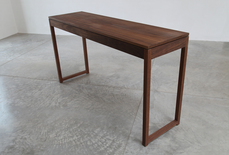 table_L_walnut2.jpg