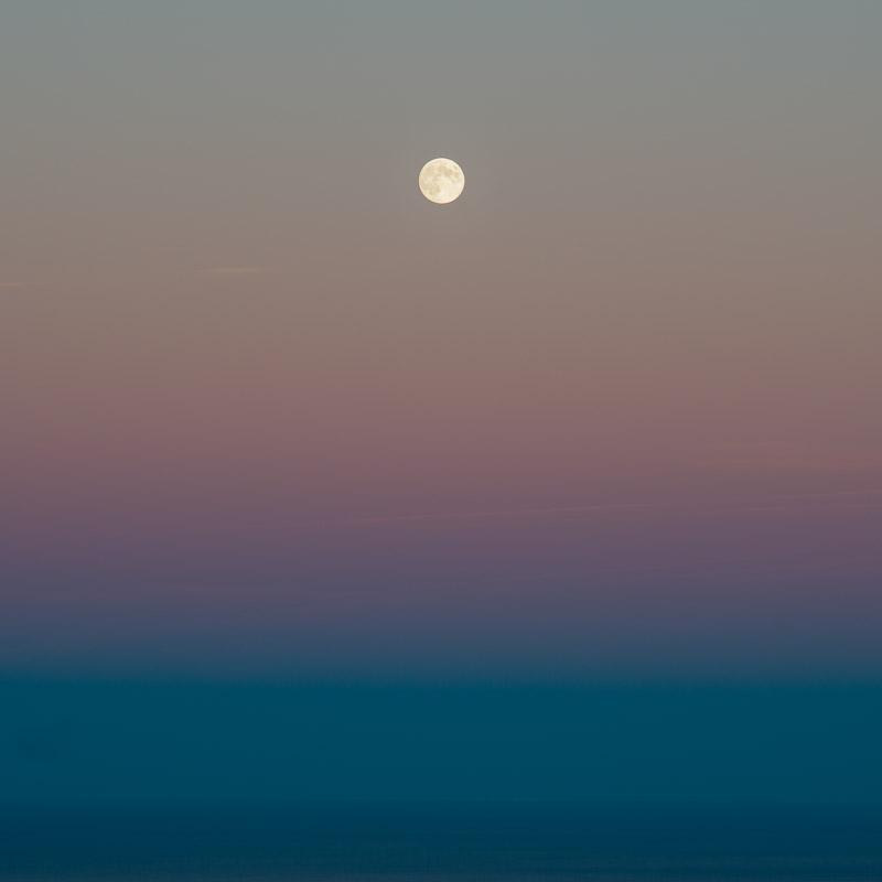Dancing Moon II