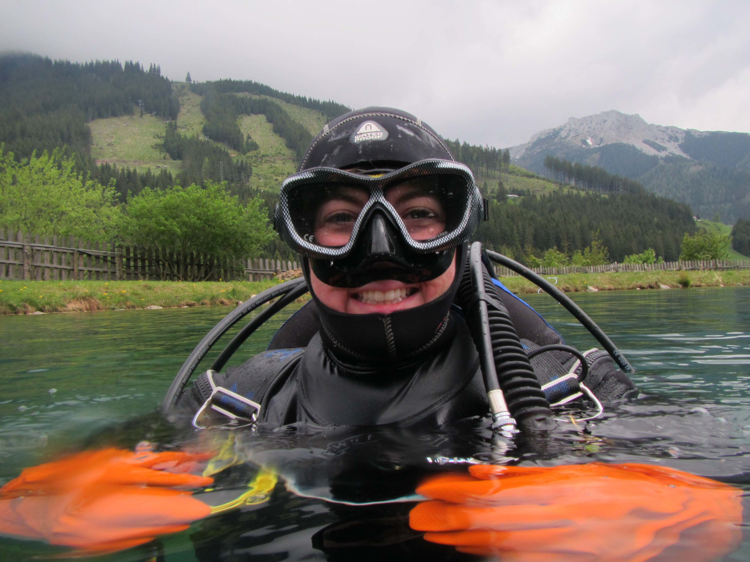 How can you NOT be happy diving in the alps?!