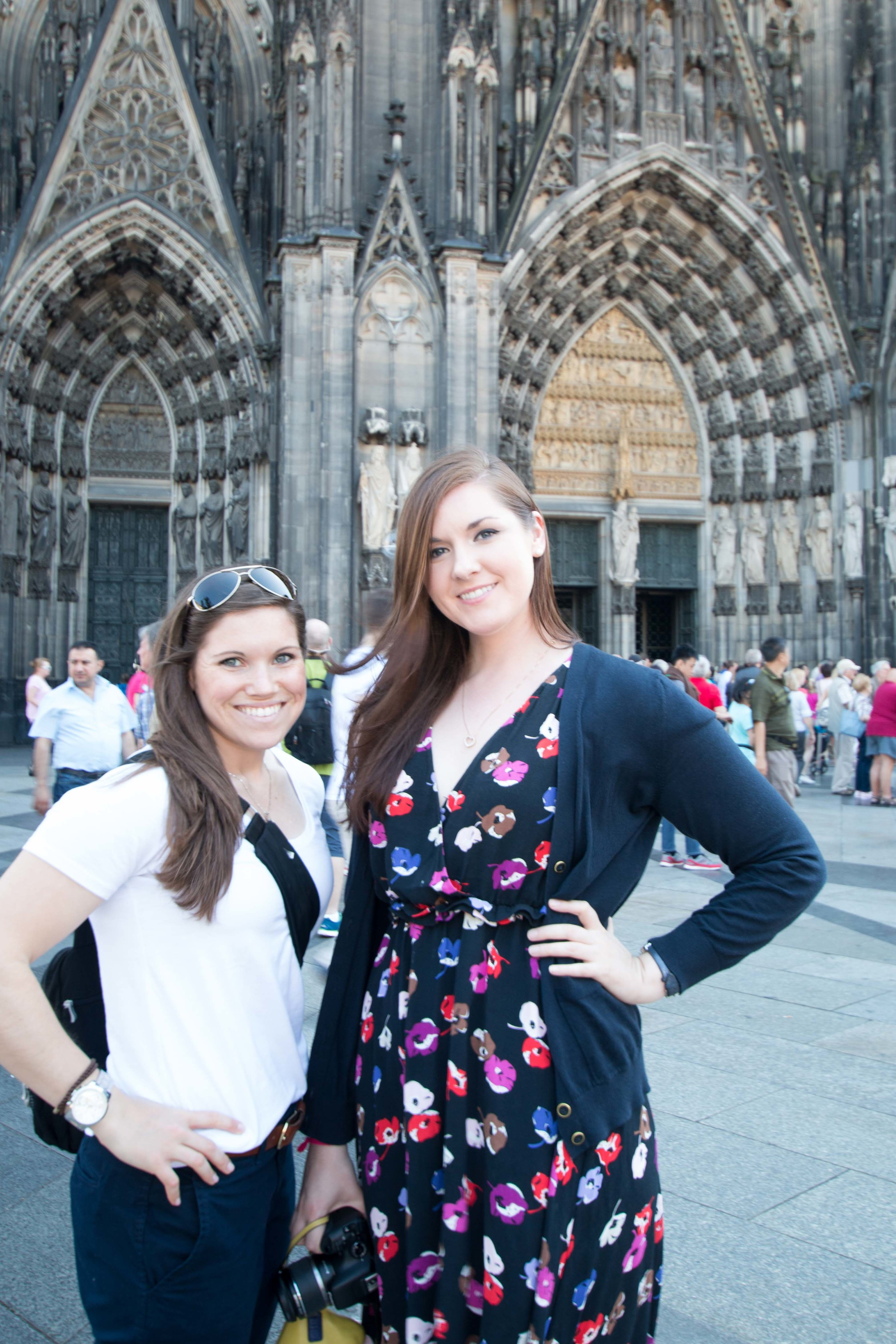 Kate and Chelsea in front of the Dom