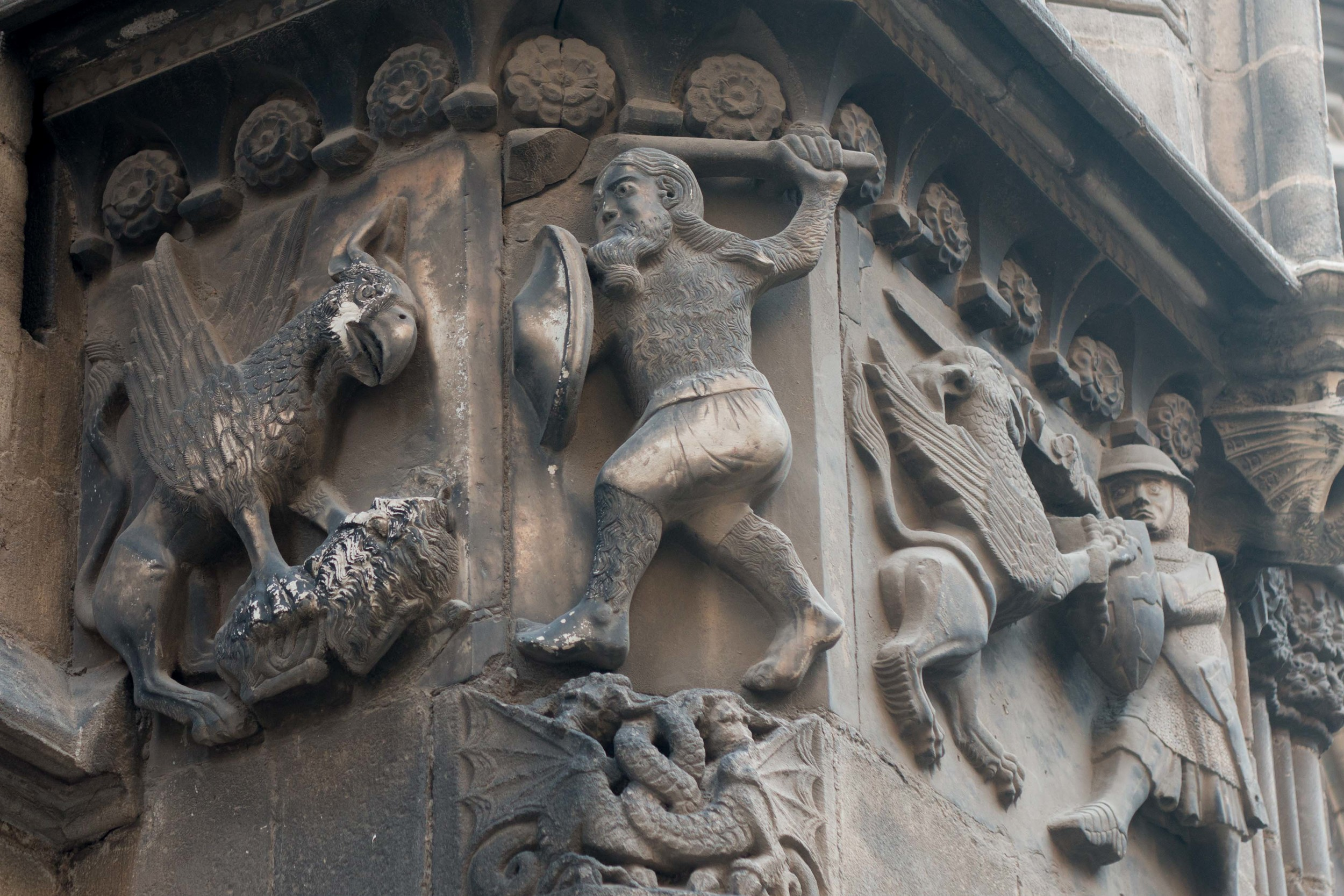 Carving of Wilfred the Hairy on one of the buildings in Placa del Rei