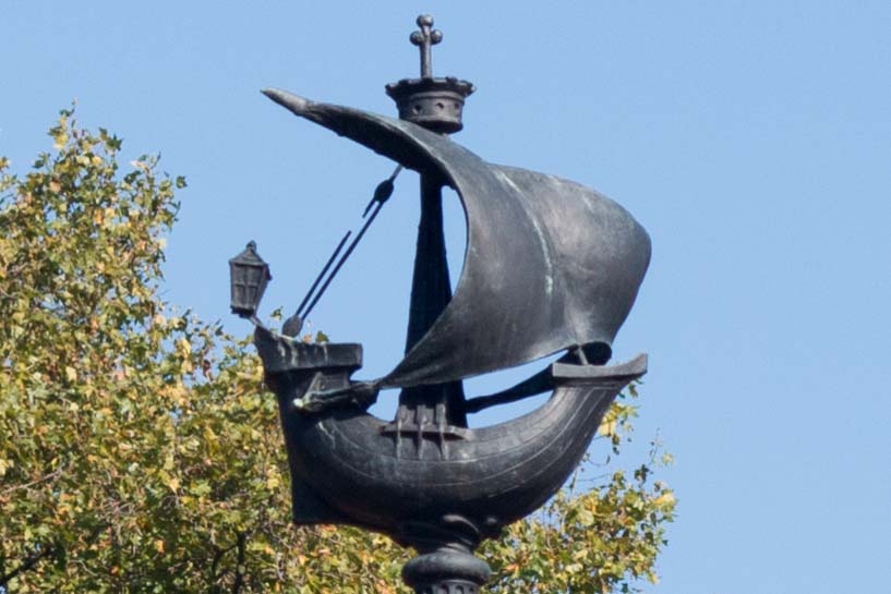 Ships that topped each light Post