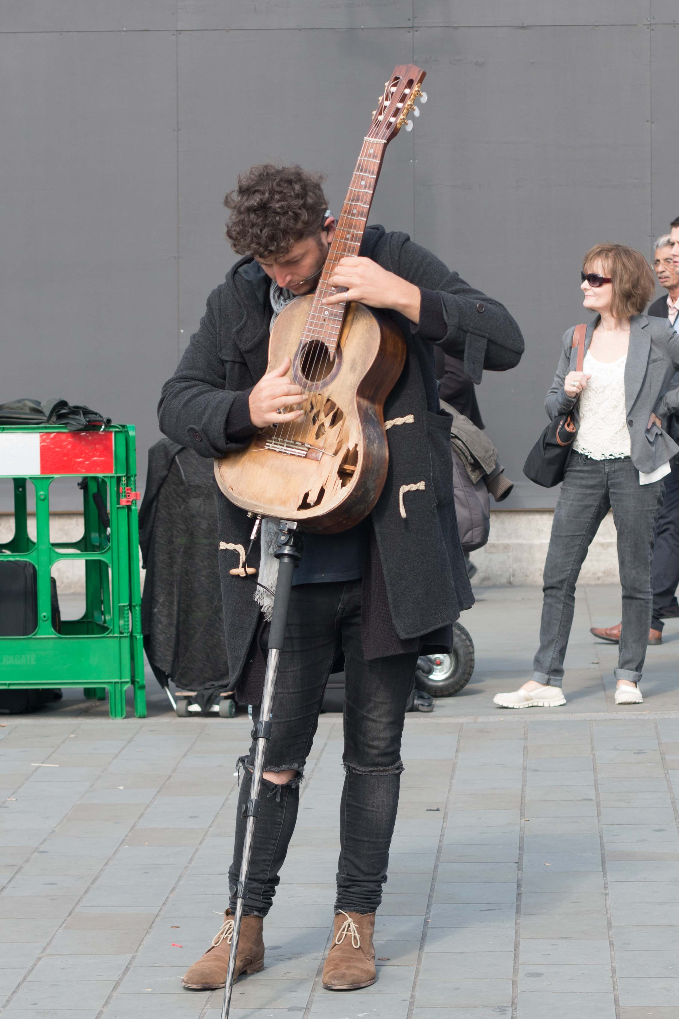 Street musicians outside of the National Gallery